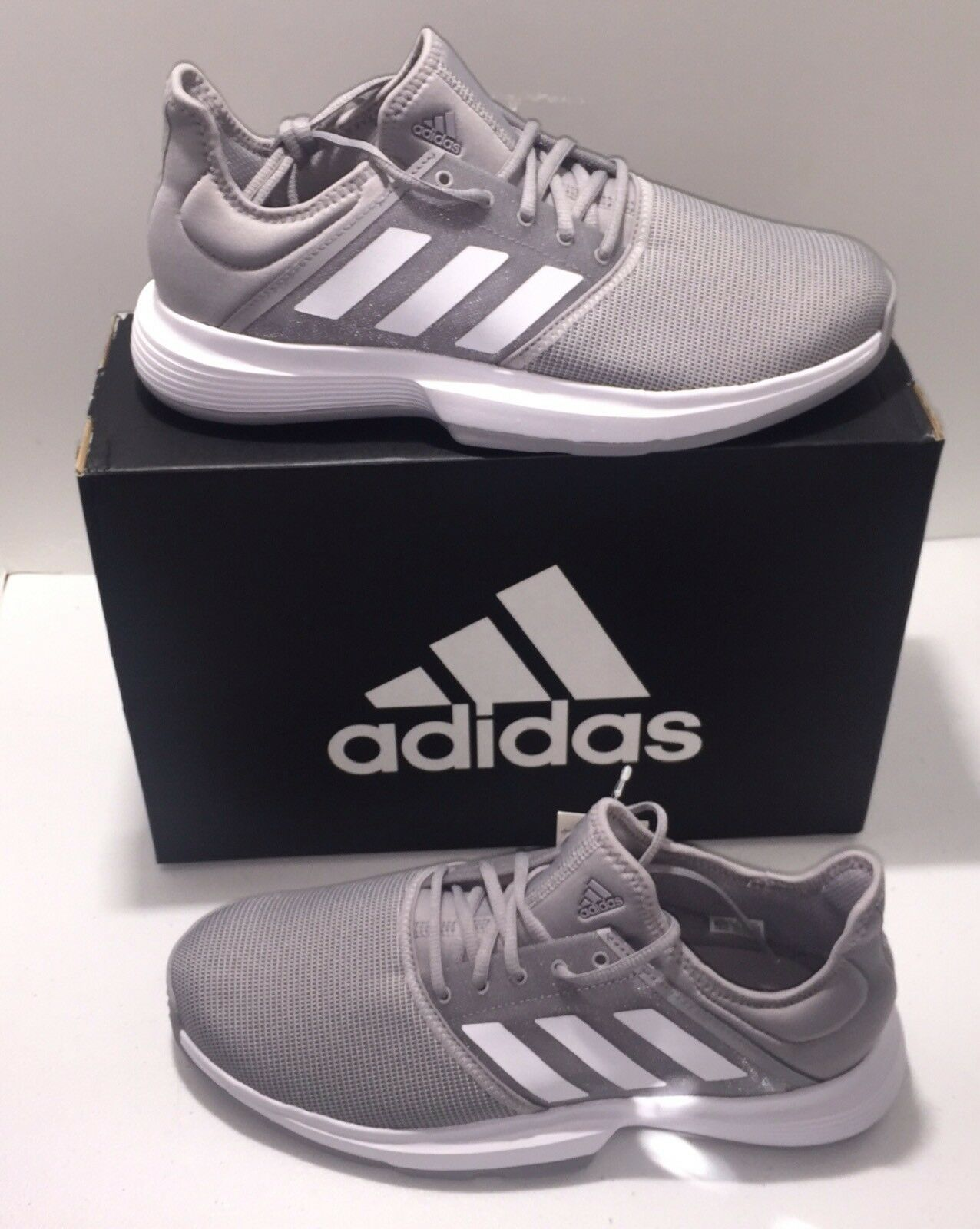 Womens Adidas Game Court Tennis shoes Sz 6