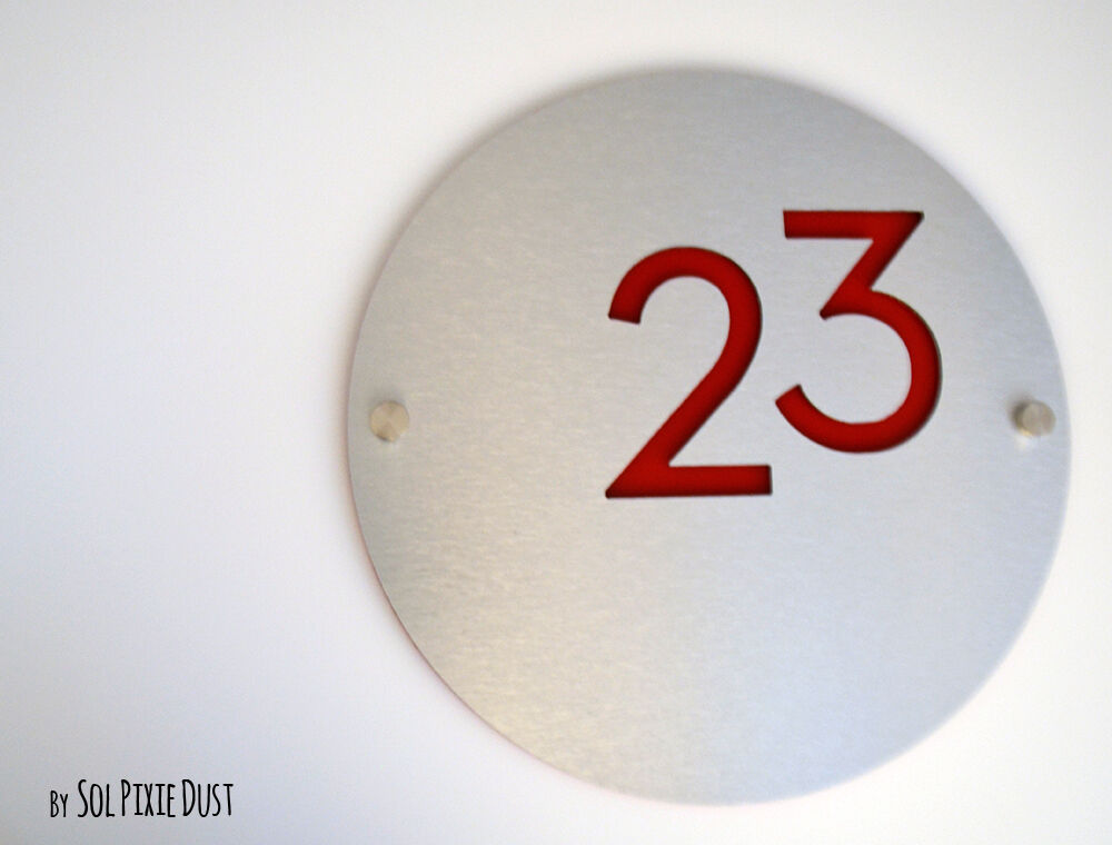 Modern House Numbers, Round Alucobond with rot Acrylic - Sign Plaque - Door No