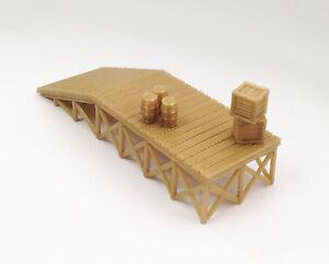Outland Models Modelleisenbahn Holzstil Plattform / Laderampe mit Waren Spur H0