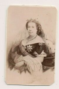 Vintage-CDV-Queen-Isabella-II-of-Spain-E-Neuedein-Photo
