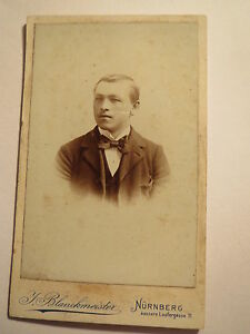 Nuernberg-Mann-im-Anzug-Portrait-CDV