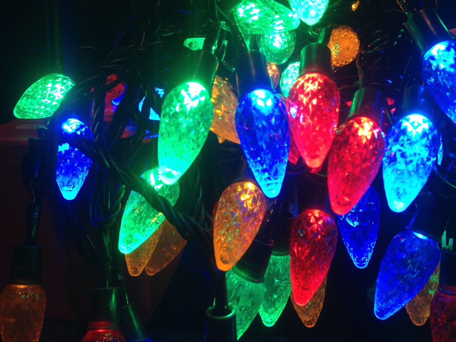 100 LED Multicolore Pine Lumières Cone Lumières Pine de Noël / 8 multifonctions / intérieur / extérieur 099398