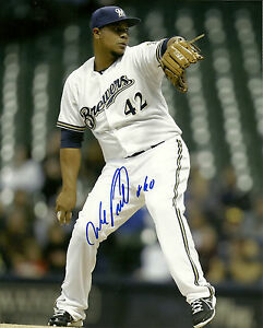 Signed Milwaukee Brewers WILY PERALTA Autographed 8x10 Photo -  AUTO - #1024