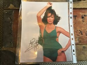 Jaclyn-Smith-Original-hand-signed-photo-10-x-8-inches