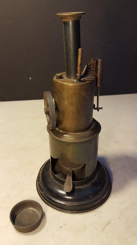 prezzo all'ingrosso Antique Krauss & & & Mohr Circa 1900 giocattolo Ssquadra Engine Burner - Nice Example  elementi di novità