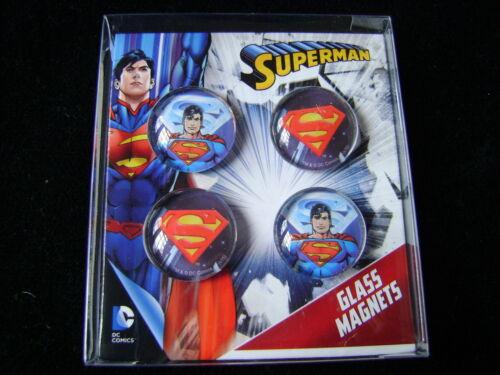 NEUF Lot de 4 Circulaire Verre Superman Aimants Cartoon DC COMICS Comic PMS 301013