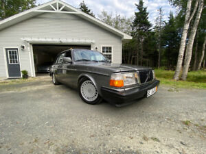 1991 Volvo 240 - Very Clean, New Paint