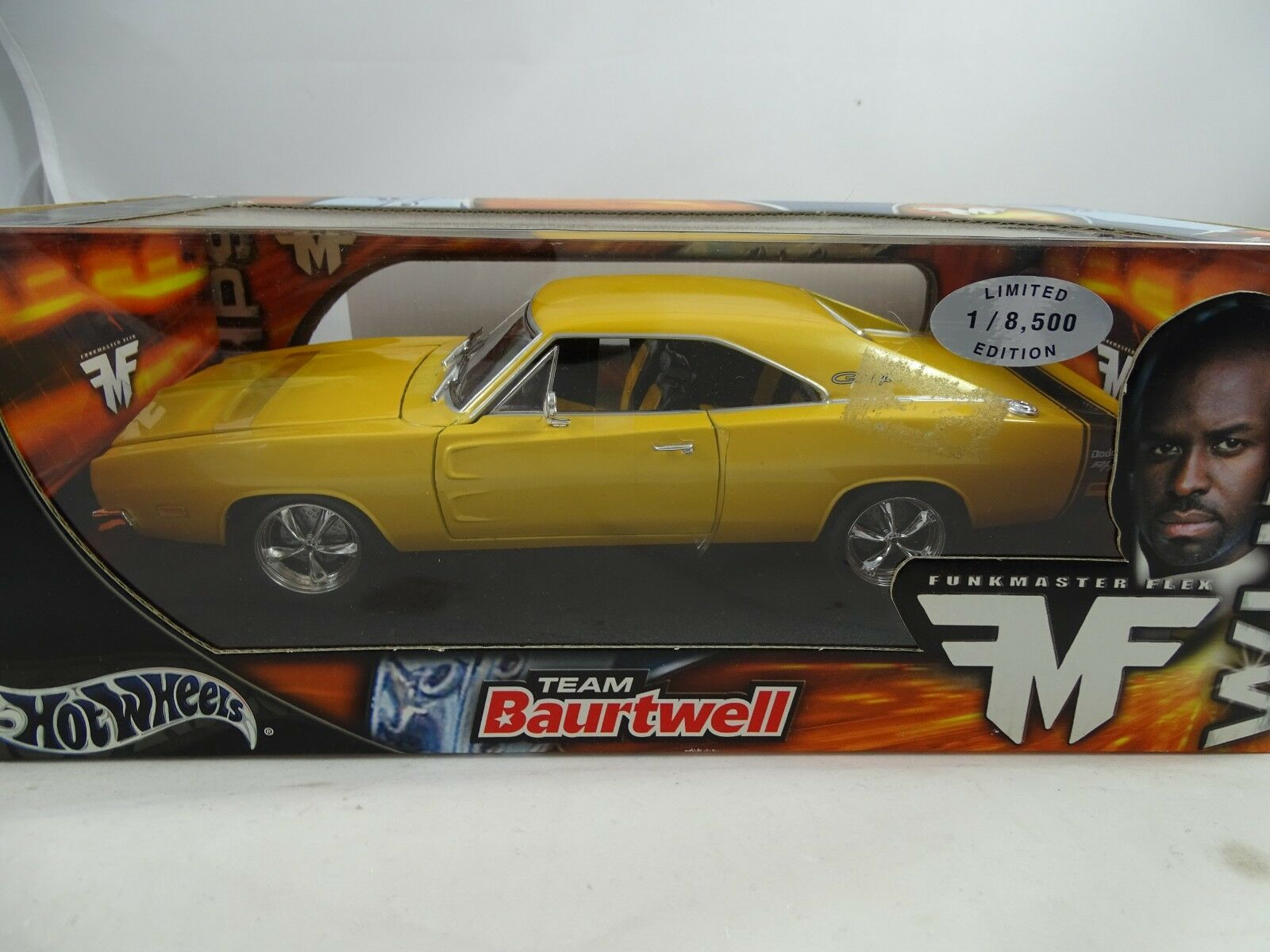 1 18 HOT WHEELS Whips-Radio Master FLEX TEAM baurtwell Charger giallo-rarità