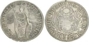 Peru-8-Real-1833-avec-Counterpunch-Couronne-le-Philippines-Ss