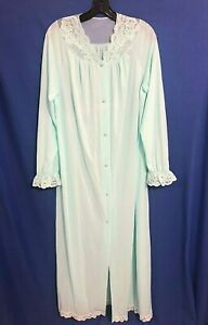 VTG-SHADOWLINE-Silky-Nylon-BUTTON-UP-ROBE-Lt-Blue-EMBROIDERED-PINK-ROSES-Sz-M