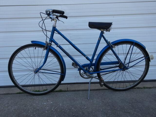 Vintage 1970s Raleigh LTD-3 Royal bluee 3 Speed Ladies Bicycle  Made in England