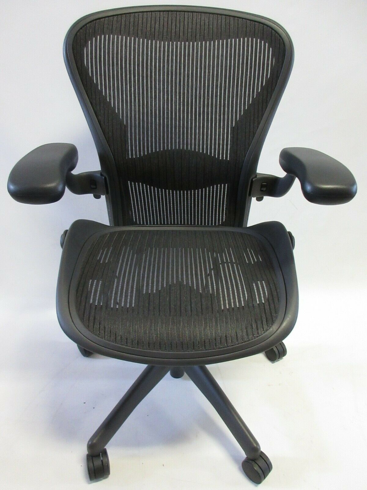 Herman Miller Aeron Chair - Size B in Excellent Condition