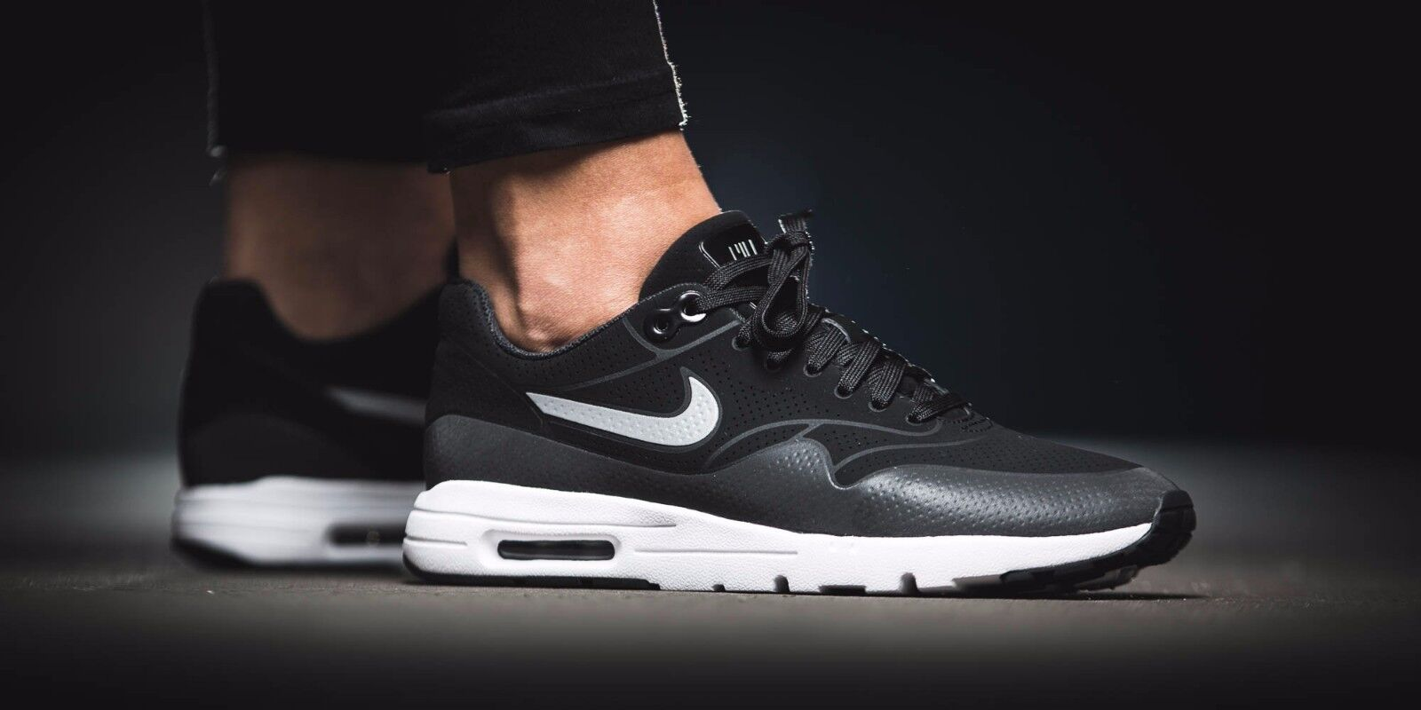 NIKE AIR MAX 1 ULTRA MOIRE REFLECTIVE BLACK WHITE 704995-001 WMN SZ 8