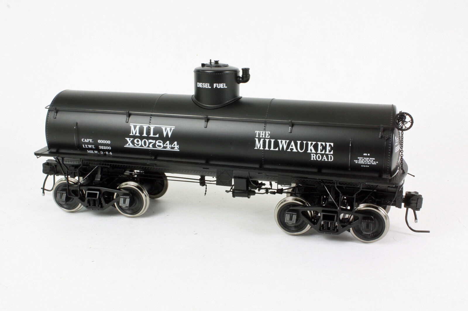 SAN JUAN CAR CO MILWAUKEE ROAD TANK CAR O Scale 2 Rail Model RTR SJC844