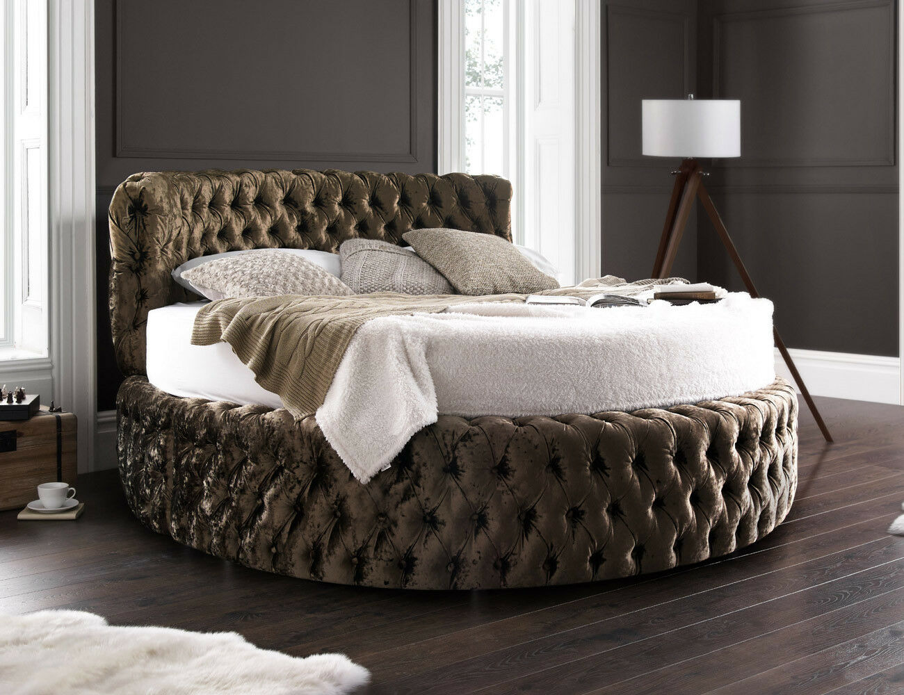 Glamour chesterfield 7ft round bed with headboard 210cm for Beds with mattress and headboard