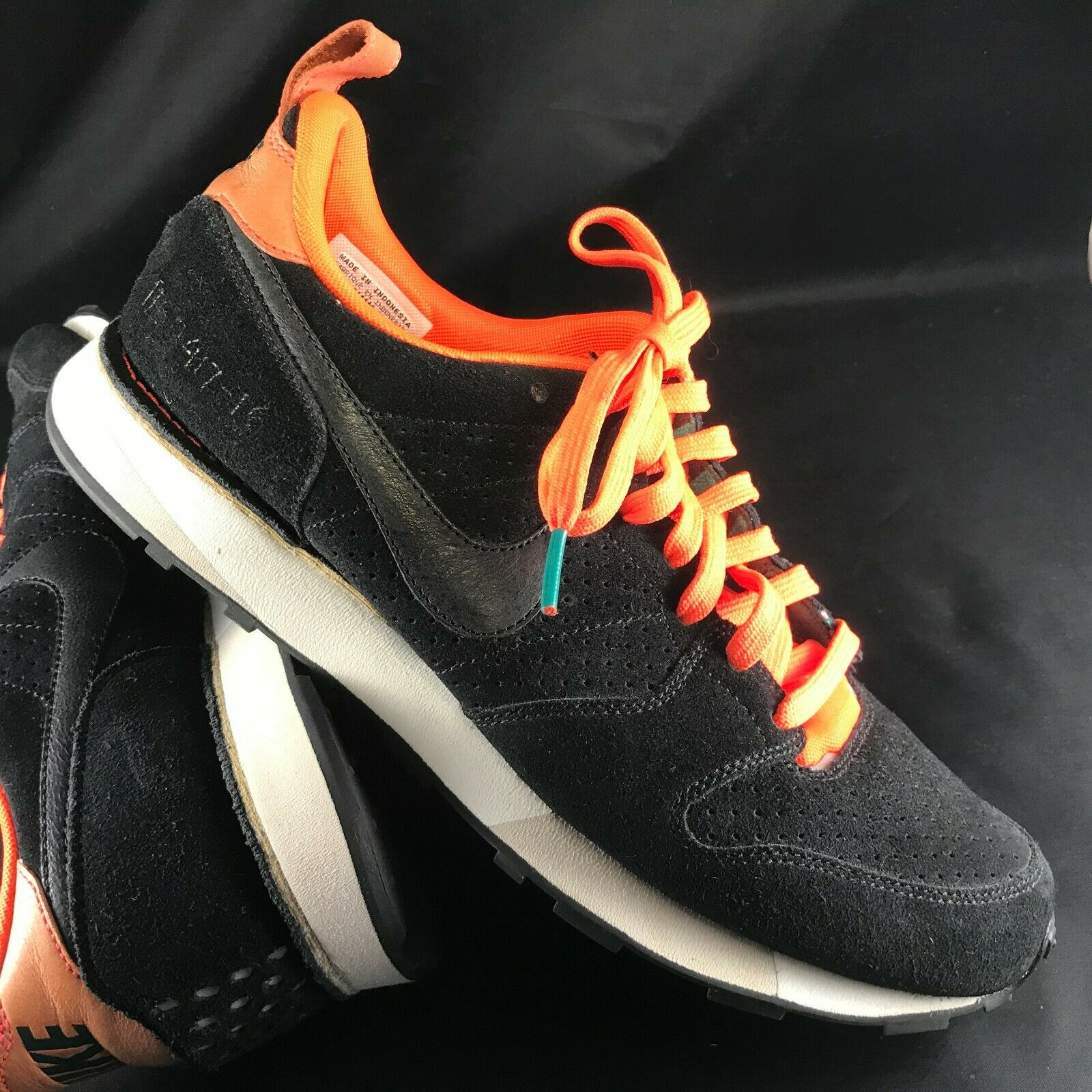 NIKE Waffle Trainer SAMPLE Black Suede Uppers Bright Crimson Trim Trim Trim Mens 9 US 42.5 d1110a