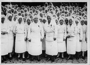 INFIRMIERES-DECOREES-DE-LA-LEGION-D-039-HONNEUR-PAR-Mr-MOURIER-PHOTO-MEURISSE-1928