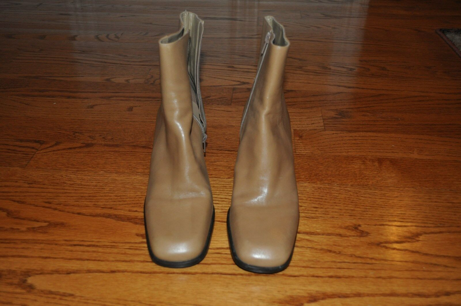 Womens GIANNI BINI Beige Leather Boots Size 9 M Gorgeous