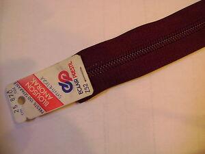 fermeture-eclair-separable-25-cm-coloris-BORDEAUX-870-maillon-6-mm-spirale