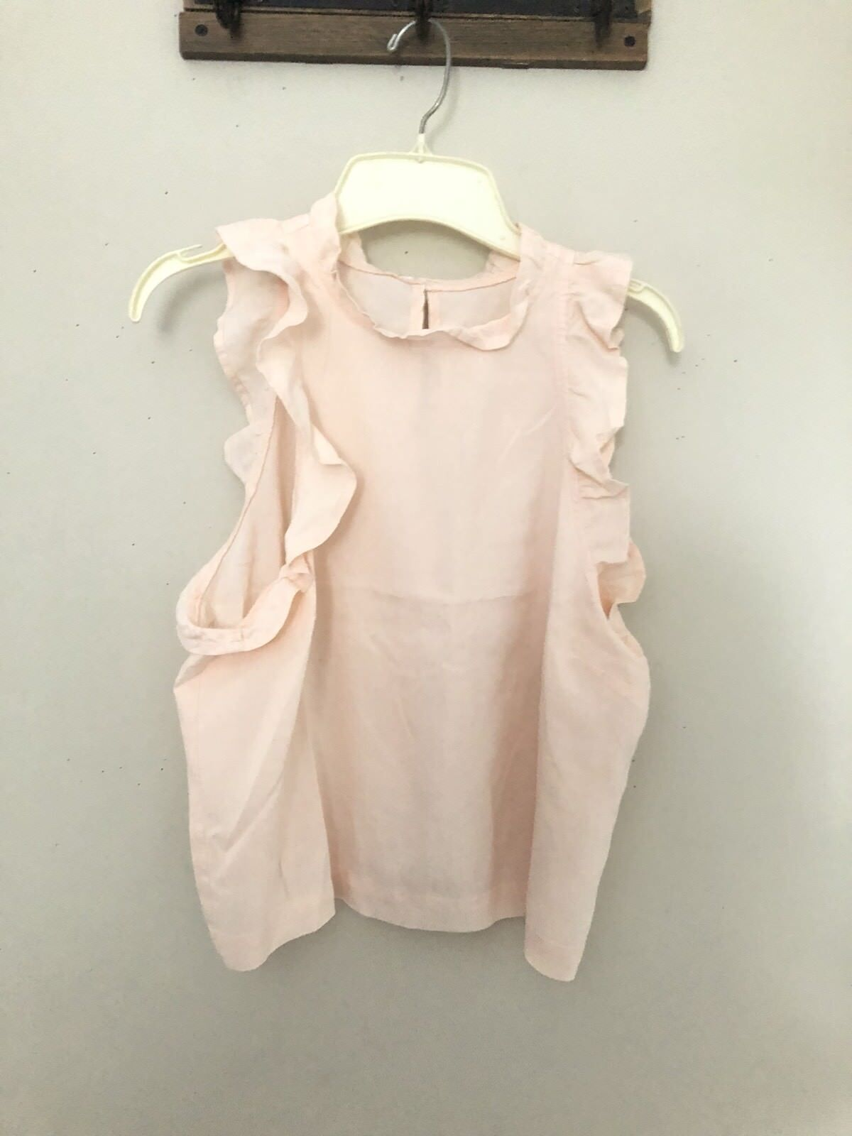 NEW CLOTH & STONE BELLA DAHL Sz XS RUFFLE TANK TOP SLEEVELESS SHIRT IN PEACH
