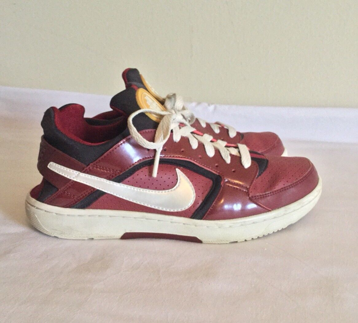 NIKE  Authentic Huarache Crimson And Black Athletic Tennis shoes Size 8.5