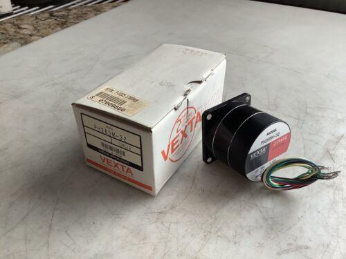 VEXTA PH265M-32 STEPPER MOTOR 12VDC 0.42A 777