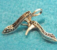 50Pcs. WHOLESALE Tibetan Silver 3D Hi-Heel SHOE Charms Pendants Drops Q0013