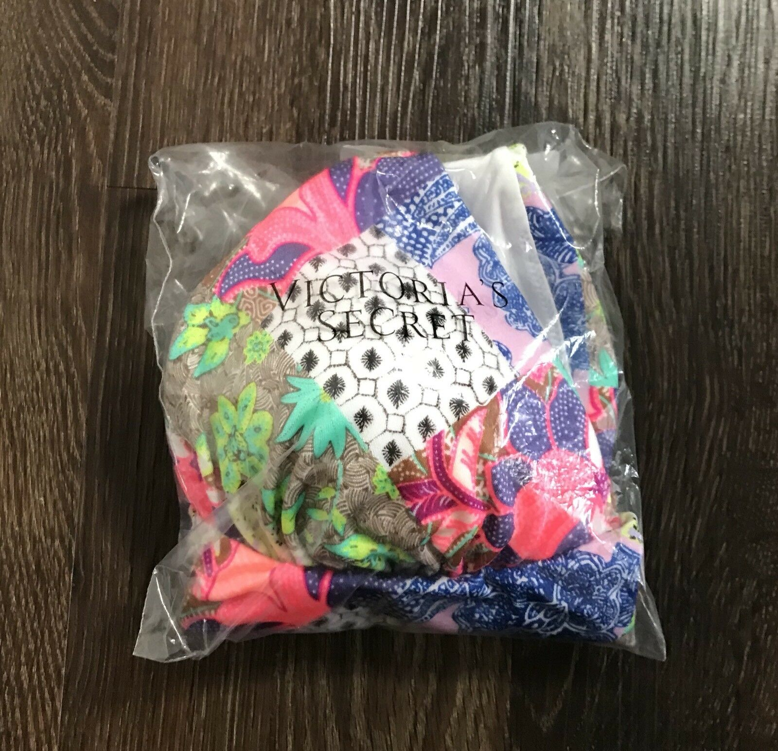 Victoria's Secret LARGE LARGE LARGE Bali Patchwork Embroidered Babe Triangle Bikini Top NEW d9545a