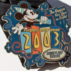 Walt Disney HAPPY NEW YEAR MICKEY MOUSE TRADING Hat Lapel Pin Badge