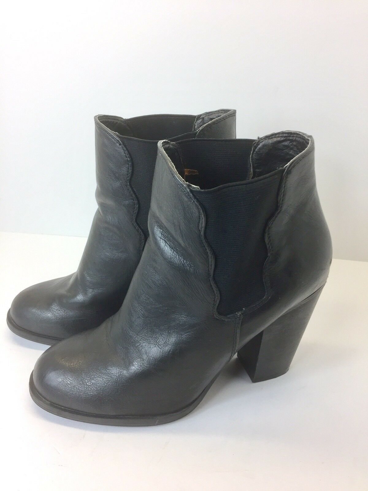 Betsey Johnson Womens Nattalie Black Leather Booties Ankle Boots Shoes Size 8.5M