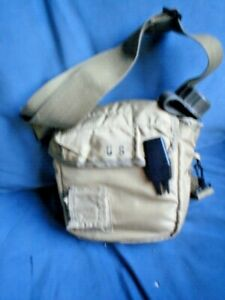 1-X-US-ARMY-WATER-BOTTLE-21-X-21-X-7-CM-WATER-CANTEEN-WITH-STRAP