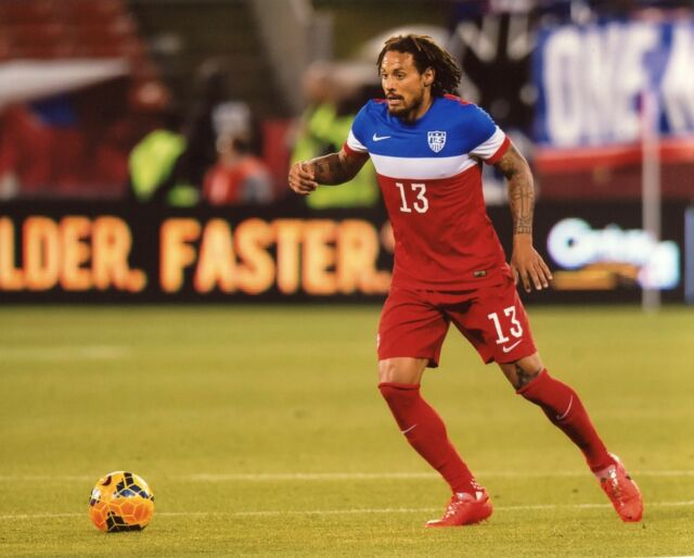 JERMAINE JONES USA SOCCER 8X10 SPORTS PHOTO (CAT)