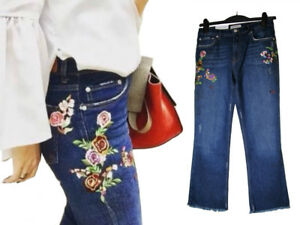 2c671749f56 Image is loading ZARA-BLUE-DENIM-BOOTCUT-CROPPED-EMBROIDERED-JEANS-SIZE-