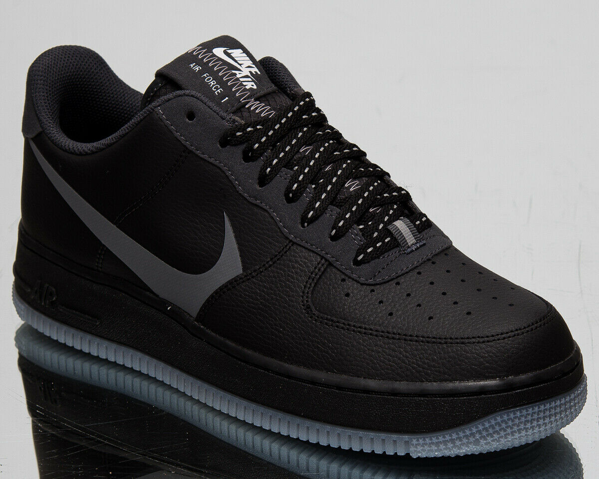 Nike Air Force 1 07 Suede shoes black