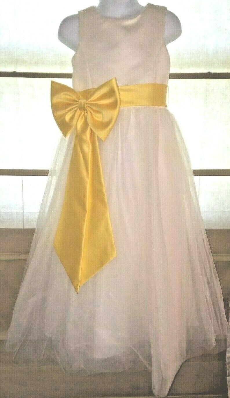 David's Bridal Flower Girl Junior Bridesmaid Gown Dress Size 5 Child W/ 2 Belts