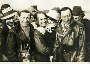 """Les aviateurs LENIER-REGINENSI-TOUGE 1932"" Photo originale G. DEVRED (Agce ROL) yda7udHl-07200159-285125625"