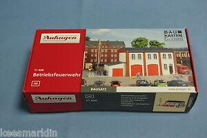 Auhagen-11-426-Factory-Fire-Brigade-Un-build-KIT-HO