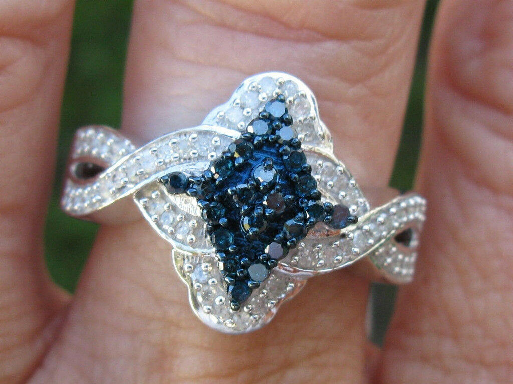 .65ctw NATURAL WHITE & NATURAL blueeE DIAMOND RING  SPARKLES NICE, SIZE 7, HEAVY