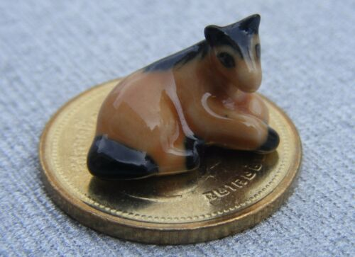 1:12 Scale Dolls House Ceramic Sitting Horse Ornament Pet Animal Small Accessory