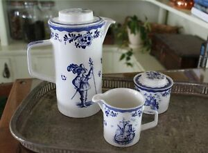 Johnson-Brothers-Holland-Blue-Ironstone-Pitcher-Pot-with-Sugar-Bowl-amp-Creamer