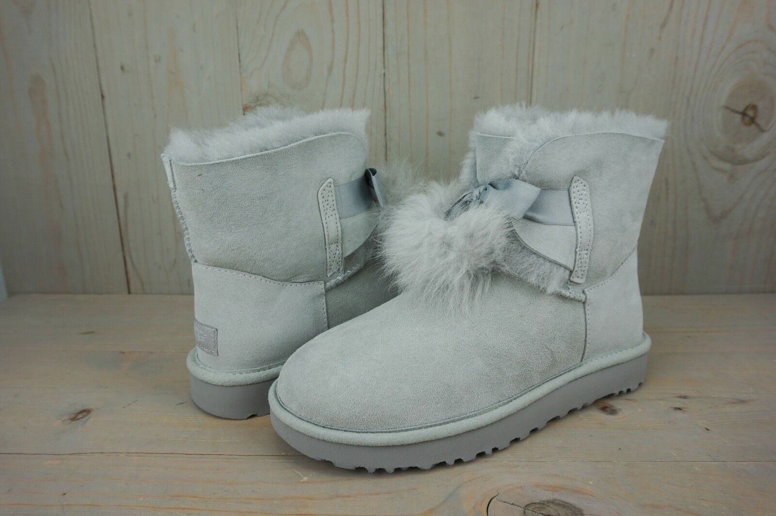 1e60cf732be UGG Gita 1018517 Grey Violet Water Resistant Suede Pom Pom Winter BOOTS US 9