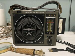 General Electric GE 3-5507A AC/Battery Portable FM/AM Radio 8-Track Tape Player.
