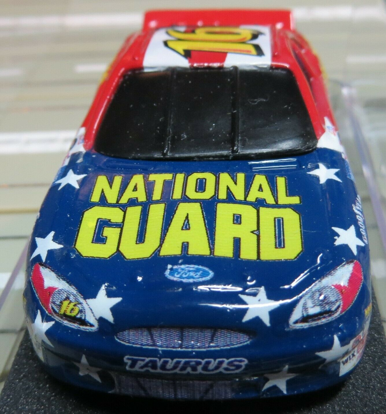 For H0 Slotcar Racing Model Railway Ford Nascar with Tyco Engine
