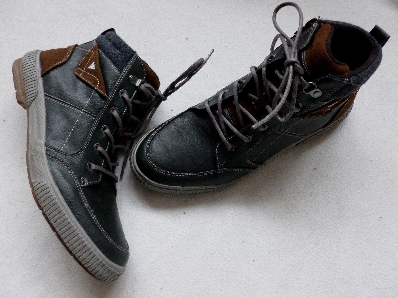 Super Stiefel / Sneaker von