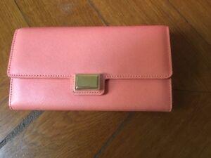 Magnifique-portefeuille-cuir-rose-corail-TARA-JARMON-neuf
