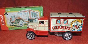 Jouet mécanique en tôle. Camion Cirque. Les Clowns. 19 cm - NEUF