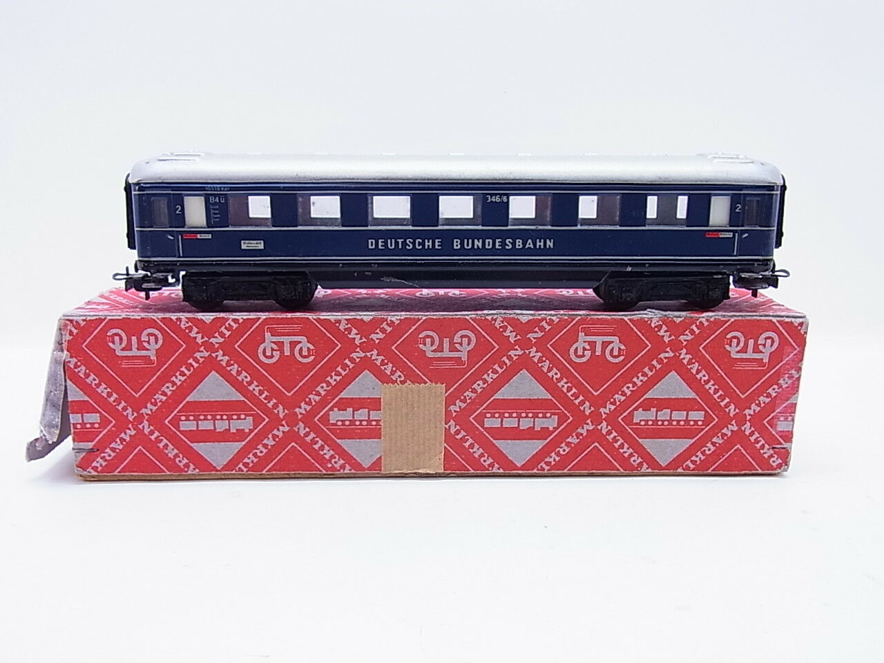 LOT 53069 |   H0 346/6 FD-Zugwagen 2. Klasse der DB Blech in Rautenkarton