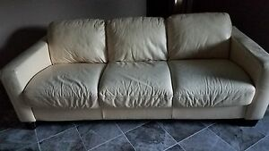 Italian Leather Sofa Set Cream Color Good Condition Great For A Play