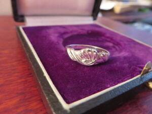 Schoener-925-Silber-Ring-Muster-Verschlungen-Vintage-Retro-Modern-Klassiker-Top