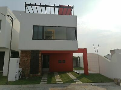 Casa en venta con alberca compartida ¡fraccionamiento sitios del sol !